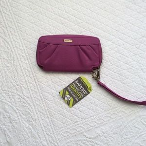 Traveling RFID Blocking Wallet